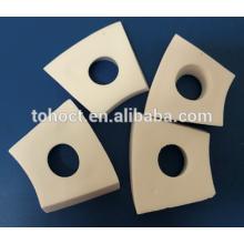 Alta resistencia al desgaste 95% de cerámica de alúmina para el sistema de cintas transportadoras cerámicas de cerámica de placa blanca de ladrillo