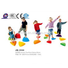 2016 Niños plástico a través de los juguetes de piedra del río