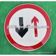 señal de advertencia de tráfico reflexivo Junta de seguridad vial