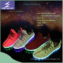 Venta al por mayor de zapatos de luz LED con malla diseñada
