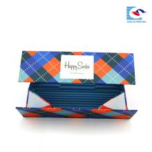 Chine carton rigide vêtement rectangulaire personnalisé avec votre propre logo