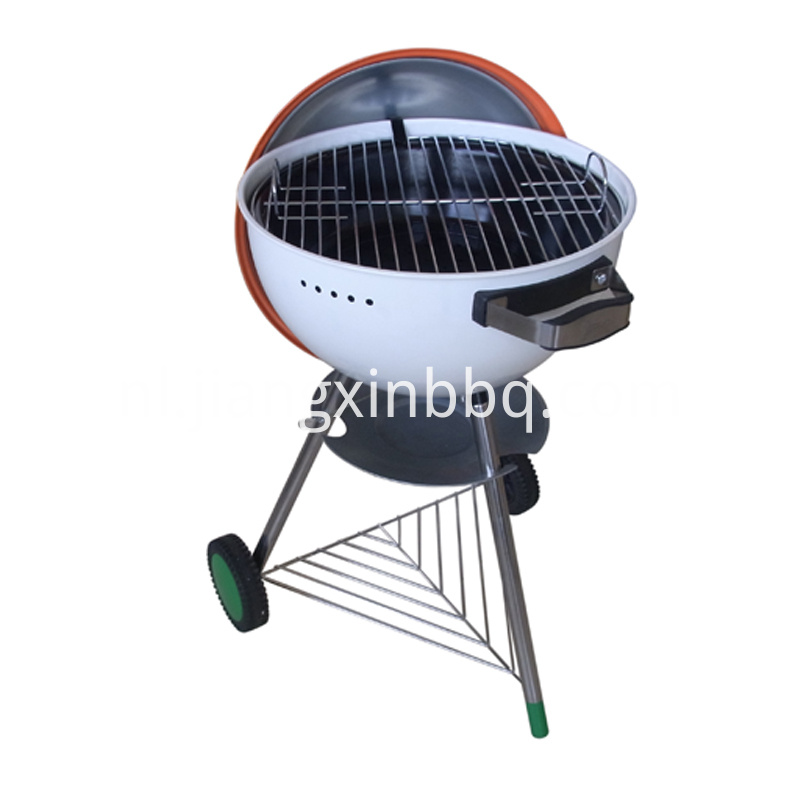18 Kettle Charcoal Grill Open View