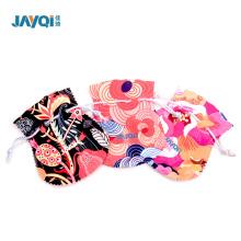 Pequeñas bolsas de gamuza para joyería