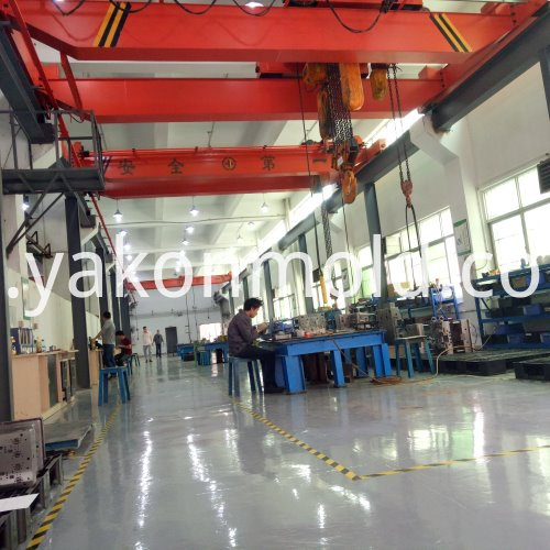 Auto Air Conditioner injection mold