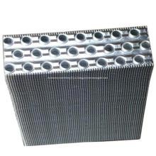 Ребристые полосы с отверстием для теплообменных материалов