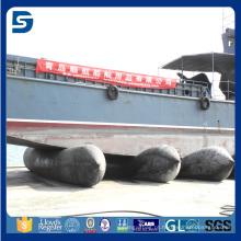 navio pesado do curso que levanta o airbag marinho