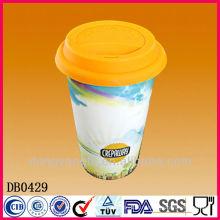 Tasse de voyage de café de double paroi avec le couvercle de silicone, tasse en céramique de café sans poignée