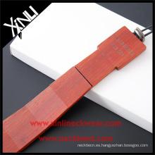 Lazos de etiqueta privada de los hombres La corbata de madera hecha a mano de madera de sándalo