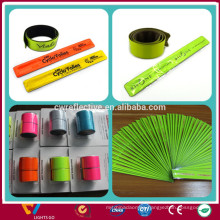 glow in the dark custom promotion gift pvc reflective snap wrap