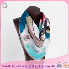 Les femmes de qualité d'OEM façonnent de grands écharpes de cou de soie imprimées par sergé carré