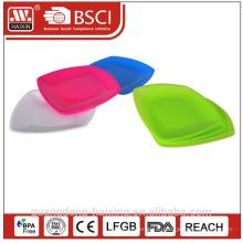 Assiette ronde en plastique coloré