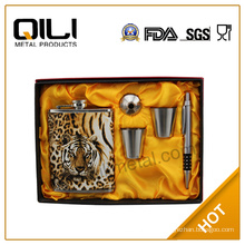 high quality cool present of hip flask set