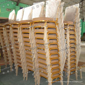 Stacking Aluminum Chairs in A Line (YC-ZL22-09)