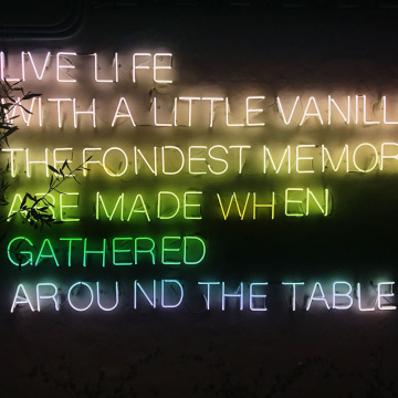 LIVE LIFE LED NEON LETTERS