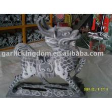 Escultura pequena da pedra calcária