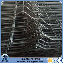 K L Posts wire mesh fence