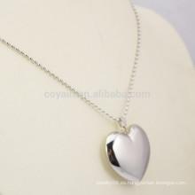 Brillante plateado de acero inoxidable 3D collar de corazón en blanco Chunky