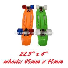 2017 new design high quality fashion plastic cruiser skateboard