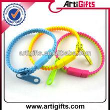 Le plus nouveau style en plastique fermeture à glissière bracelet en gros
