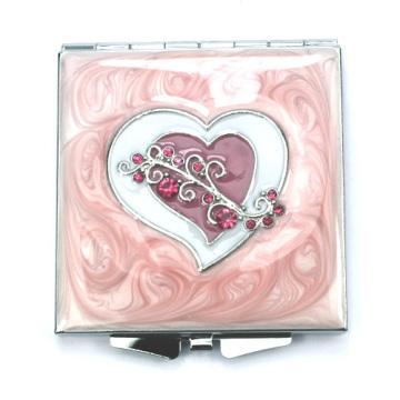 Изукрашенный сердце компактные зеркала