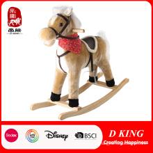 Caballito de madera de juguete Caballito de felpa de juguete