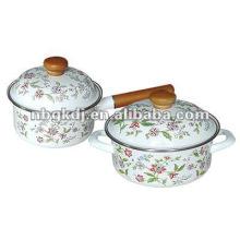 enamel saucepan sets with bakelite handle and metal lid