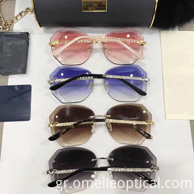 Mirrored Lens Sunglasses