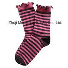 Модные девушки носки с манжетой морщин
