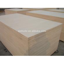 Madera contrachapada de madera dura de color blanco