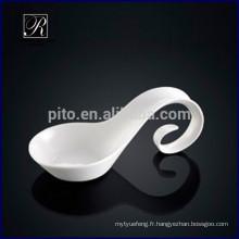 P & T ROYAL WARE Plaque de design romantique en porcelaine cuillère spéciale pour usage artistique