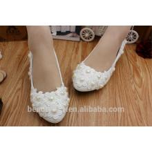 Perles blanches et de coeur de pêche pour que le groupe de demoiselles d'honneur effectue des chaussures de mariée WS022