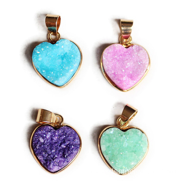 Heart Shaped Natural Stone Jewelry Pendant For Choker