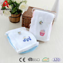 2018 new design 2pcs package coral fleece baby blanket with embroidered