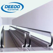Перемещение тротуара Deeoo на тротуаре