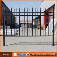 Hermosa casa decorativa valla de hierro diseño