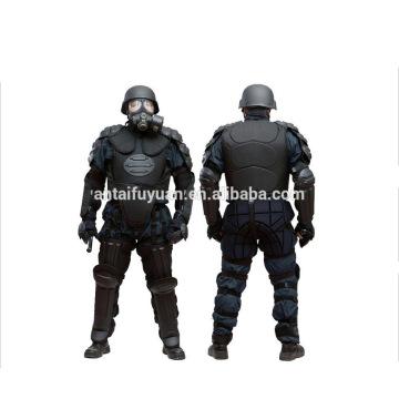 Tipo duro, fabricante de trajes anti disturbios, policial finamente procesado, traje antidisturbios,