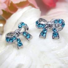 Pendientes de botón de Bowknot de plata con diamantes de imitación azul cielo de aleación de moda