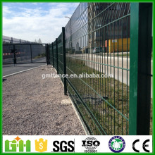 2016 low price pvc coated home garden fence