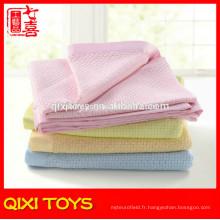 Couvertures de bébé en molleton imprimé 100% polyester rose en gros