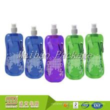 Top Qualität Benutzerdefinierte Gedruckt Tragbare Wiederverwendbare Auslauf Trinken Verpackung Klapp Kunststoff Wasserflasche Beutel / Tasche