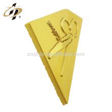 Wholesale zinc alloy custom matt satin gold key shape metal badge lapel pin
