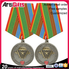 insignias de escudo medalla chapados en oro personalizados