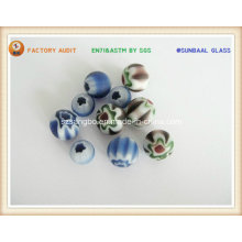 Boule en verre coloré