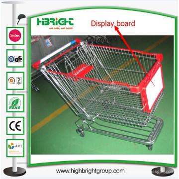 Carrinho de compras de supermercado com placa de publicidade de exibição de carrinho