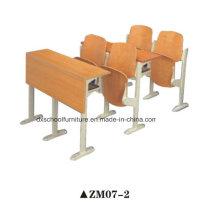 Hölzerne Schulbank und Stuhl für Schritt-Klassenzimmer
