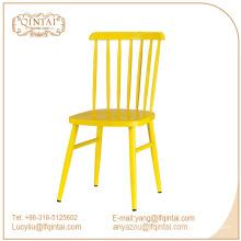 Venta caliente comedor muebles réplica color caramelo windsor comedor silla