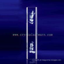 Flor da ameixa do laser de K9 3D gravada de cristal com forma da coluna