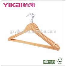 Bulk cabides de camisa de palha de bambu plana com barra redonda e entalhes