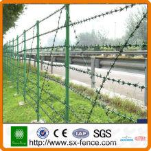 Fil de fer barbelé + clôture ++ clôture en maille métallique (installation facile)