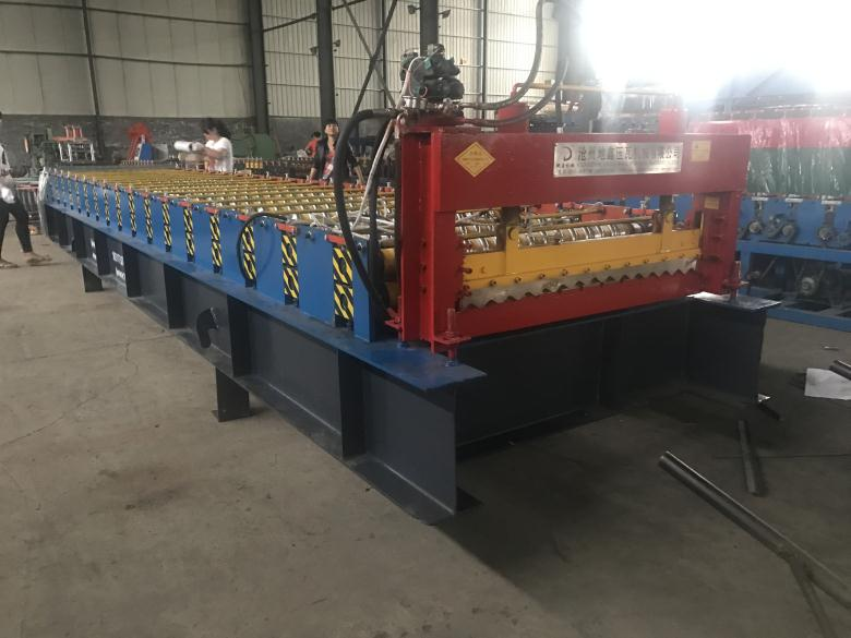 High Quality Corrugated Roll Forming Machine